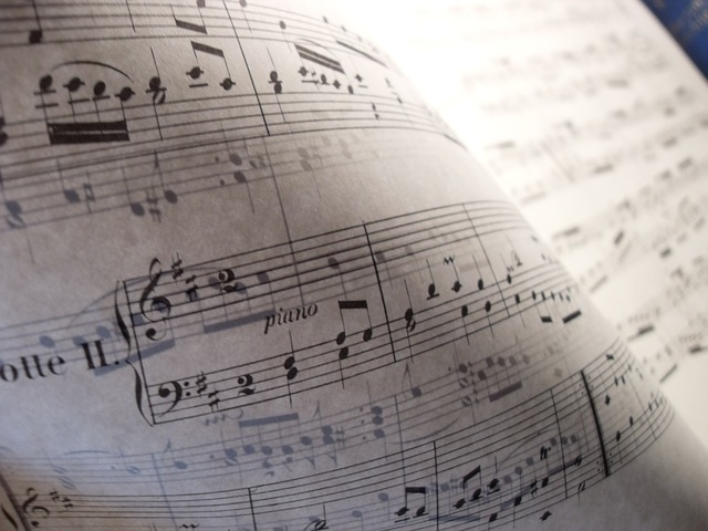 Derechos de autor exentos de IVA. Exención para autores y compositores