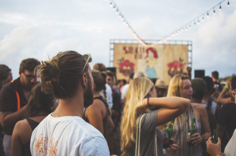 ¿Es legal impedir el acceso a festivales con comida y bebida?